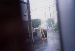 松谷友美写真展「明るい雨」 (GALLERY街道リぼん 2010/9/10~9/26)