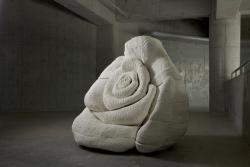 山口洋子「Rose」 陶 140x140x140cm