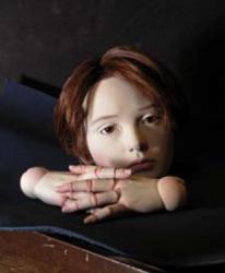 中嶋清八 「少年の人形」(一部) 2014年 石粉粘、土、アクリル、ガラス眼、人毛 90cm