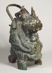 《虎卣》(こゆう) 商時代後期 泉屋博古館