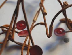 からくさ 2015 漆、竹、金、針金、粘土 可変(300X300X300内)