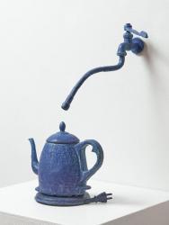 「愛漆」 2021 陶器  写真: 亜門 龍