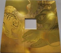「卍印門」  1652×1652mm / 金箔・アクリル・塗料 / 2012年