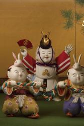 「木彫彩色御所人形」のうち「恵比寿と唐子」 五世大木平藏製 昭和14年(1939) 静嘉堂文庫美術館蔵 【全期間展示】