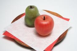 瀬尾千枝 「運盛り りんご&ラフランス」 ガラス 2014