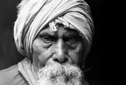 柳澤ユカ 写真展「Kumbh Mela ~群衆の中の孤独~」
